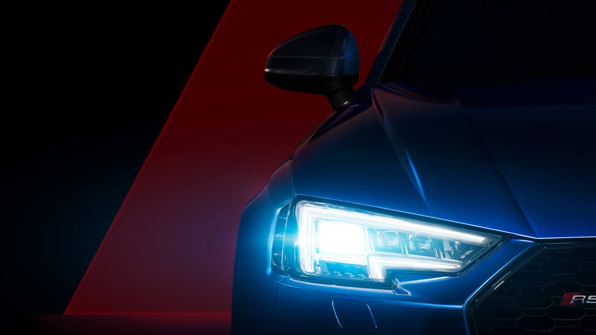 The Audi Matrix LED headlights, developed for the 24 Hours of Le Mans, search far into the distance to turn night into day. Precise illumination with low energy consumption, the intelligent technology detects oncoming vehicles and turns off potentially blinding LEDs in a fraction of a second, all without interrupting the illumination of the road ahead.